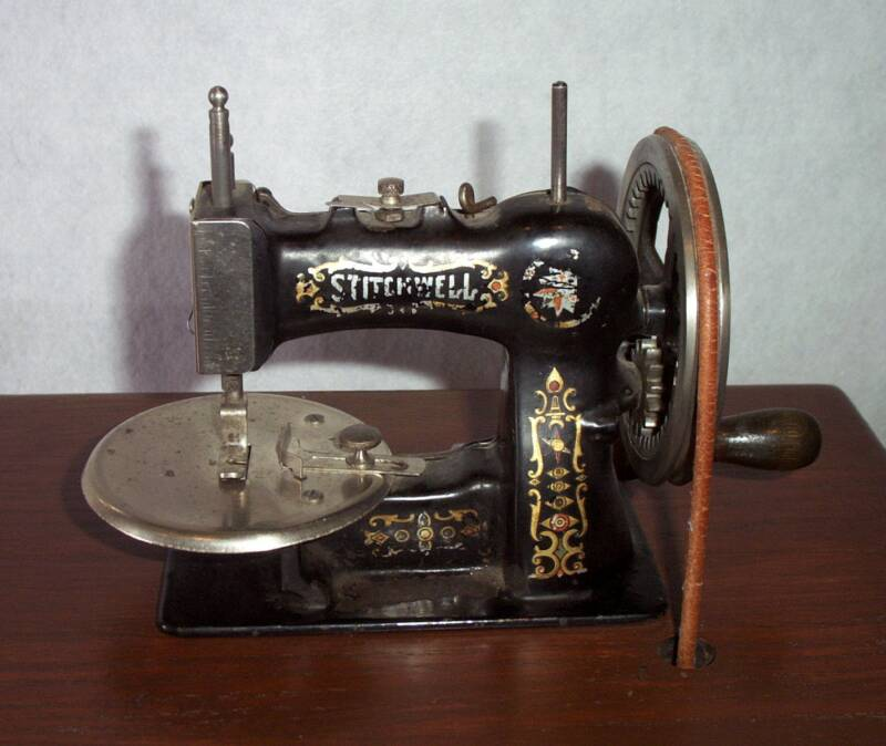 Shelly Burge American Girl Toy Sewing Machines